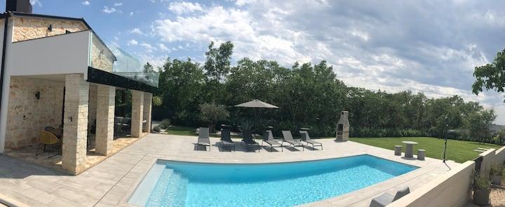 Casa Knauer Luxury Stone Villa with a 10m Pool