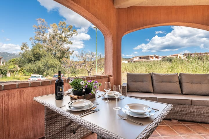 Villa Isabel with Wi-Fi, Air Conditioning, Terrace and Garden; Parking available