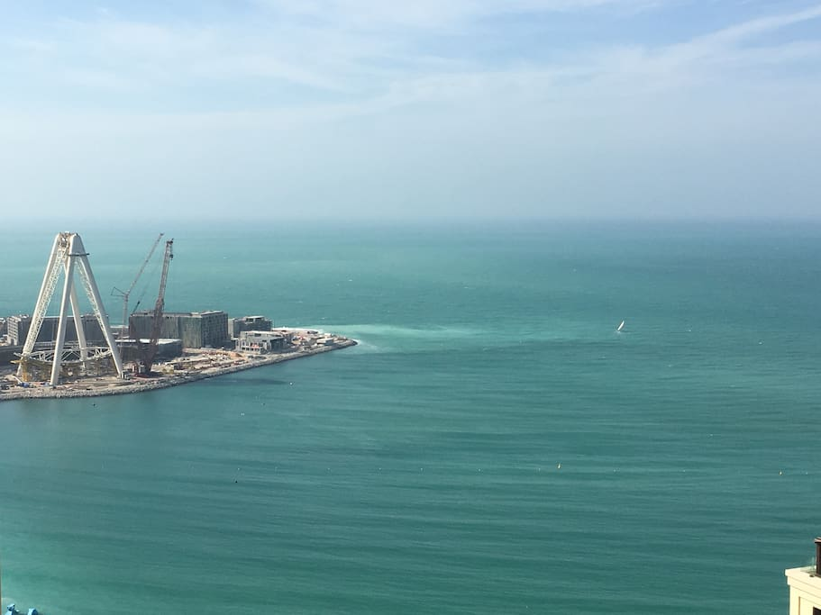 The Bluewater island and the construction of the Dubai Eye