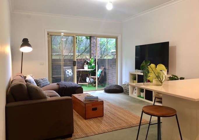 Spacious 2BR apartment 5km to CBD - Ascot Vale