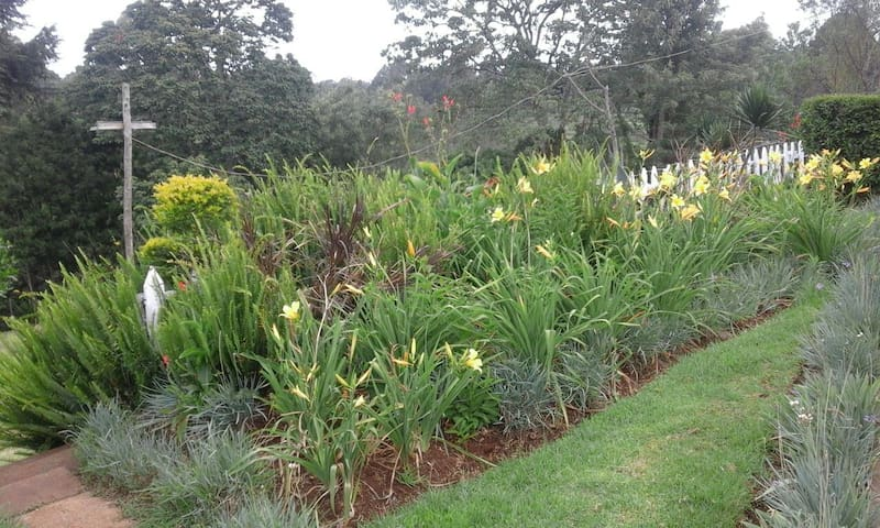 BEAUTIFUL COUNTRY HOME - Limuru Town. - บังกะโล