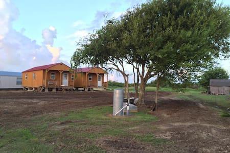 JJB CABINS @ Cooks Camp - Matagorda - Casa de campo