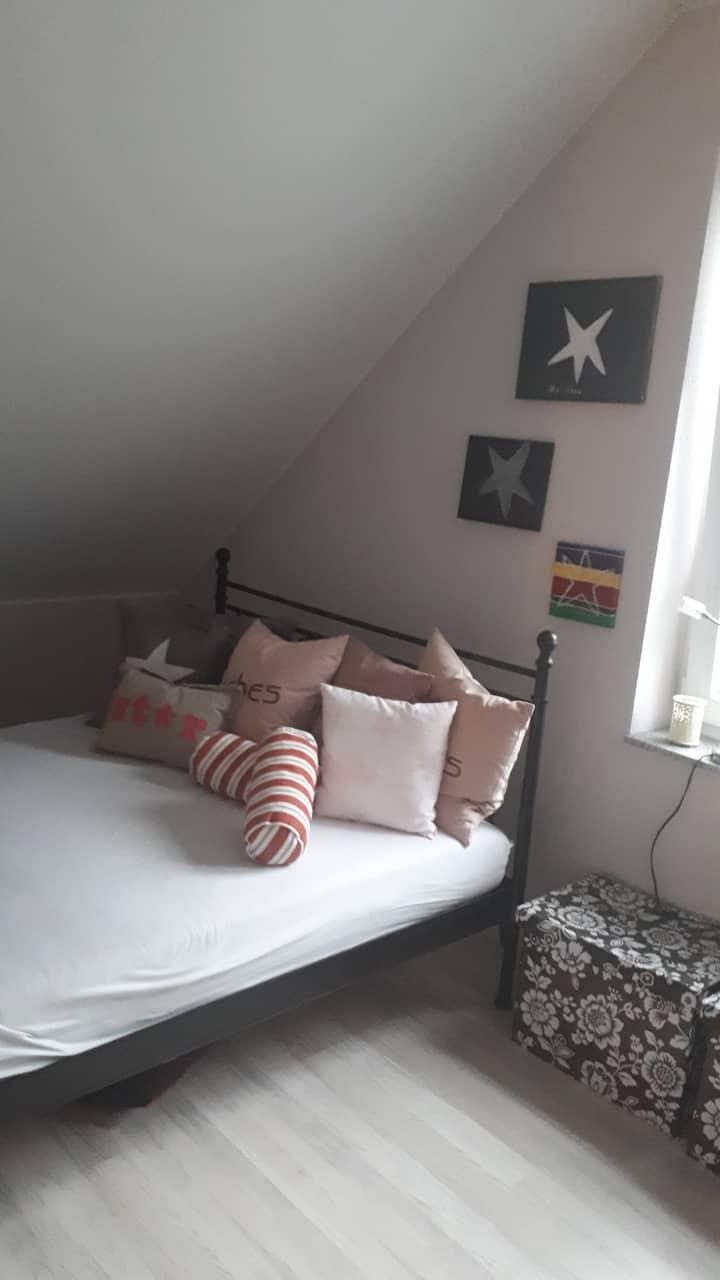 Gemütliches Zimmer in Mettmann mit eigenem Bad