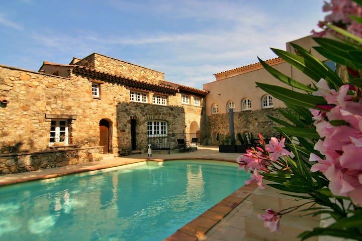Hameau des Claudins #16 la Mourre with pool