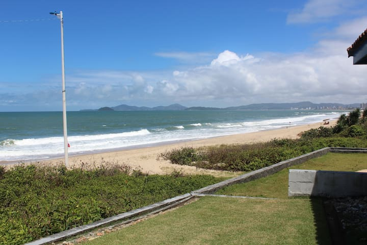 Beach House,  In front of the ocean - barra velha, Itajuba  - Ev