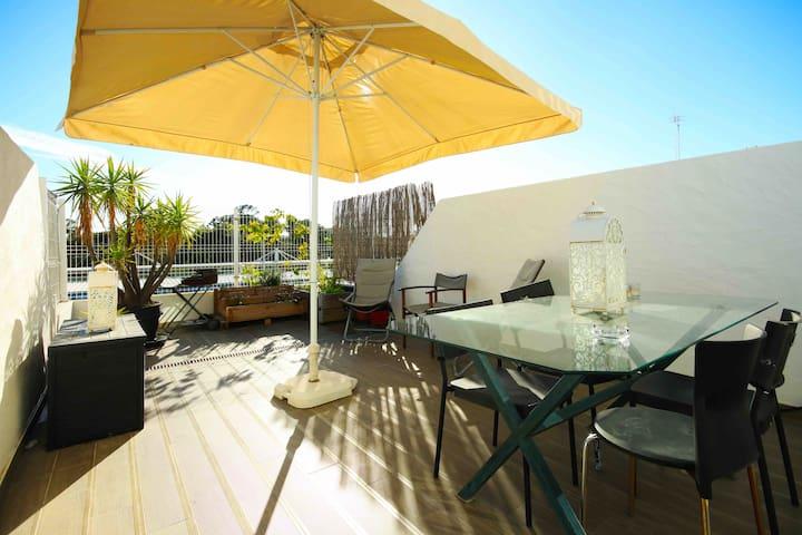 Carcavelos Sunny Beach Terrace
