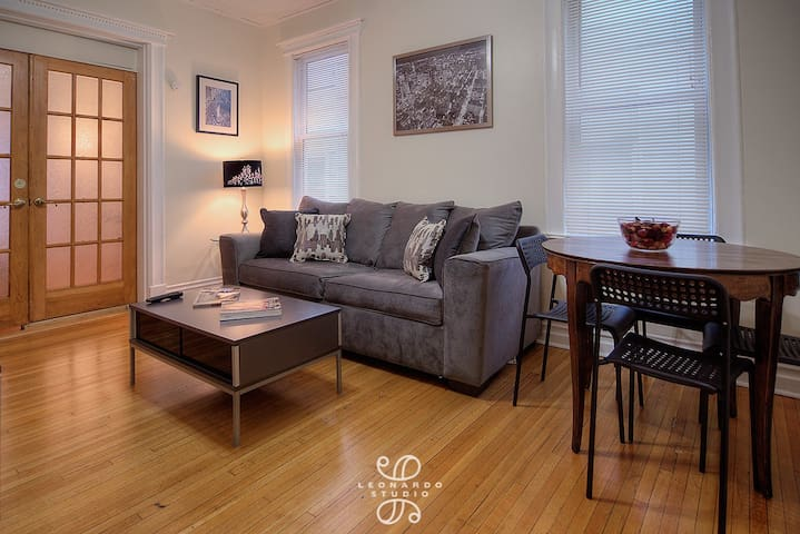 Cozy & Comfy 3 Bedroom Apartment Steps from NYC! - Jersey City - Apartment