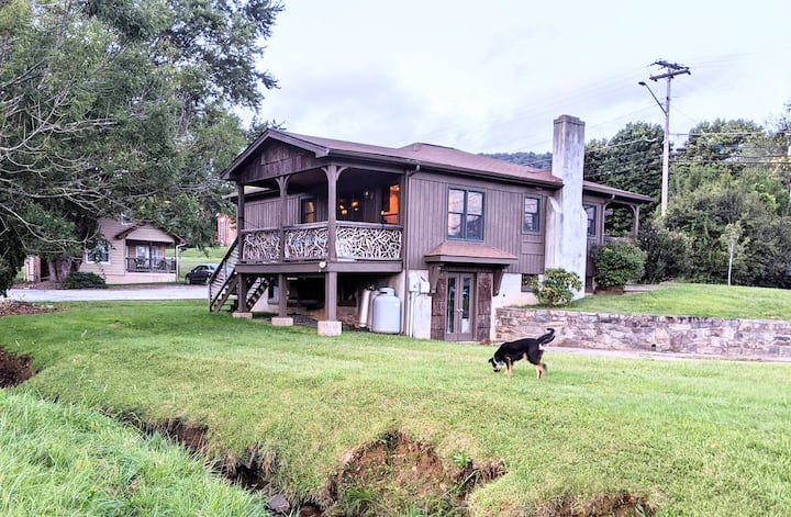 Centrally Located, Creekside, Modern Cabin