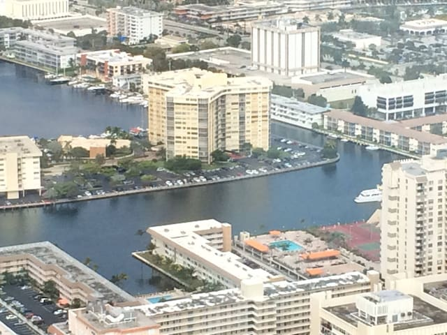 Amazing full appt, water view, - Hallandale Beach - Apartment