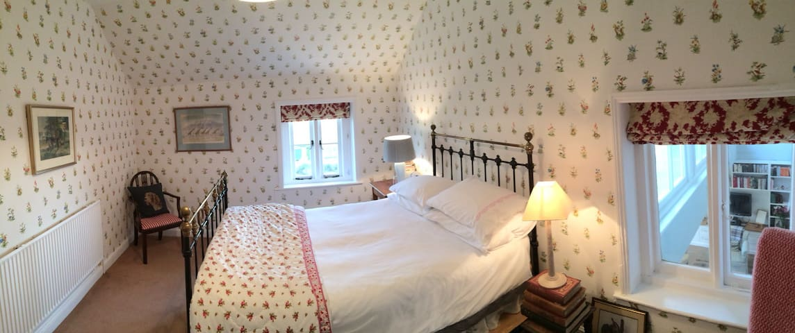 A cosy double bedroom - Malvern - Bed & Breakfast