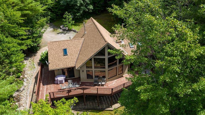 Serenity Classic Muskoka Cottage