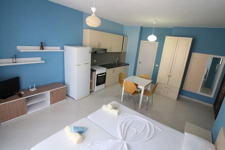 Studio 50 meters from the beach