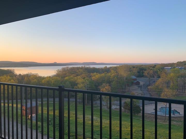 Lake Life Retreat: Indian Pt. Oasis w/ Amenities!