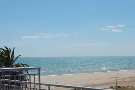 Soliair Beachfront Castelldefels