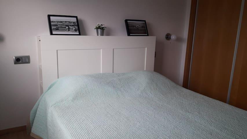Habitación con cama de 1.50