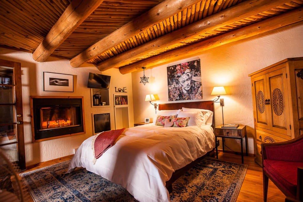 2nd bedroom - the casita.  It has great ambient lighting, sitting area, 1/2 bath, mini fridge and Keurig coffee maker.