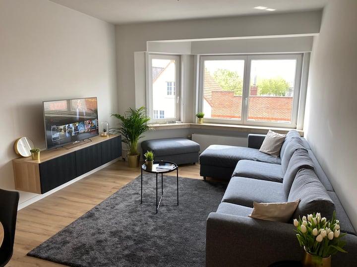Lichtrijk, volledig vernieuwd appartement