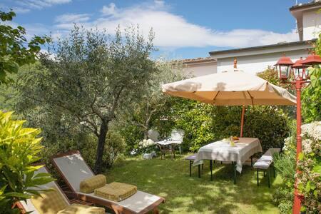 Bernardini Home with Garden in Garfagnana