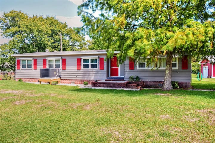 3BR Harkers Island Cottage w/Dock - Harkers Island - House