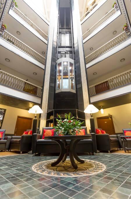 Atrium Lobby with Capsule Lift