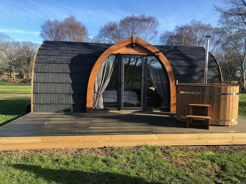 Bluebell Pod with wood fired hot tub