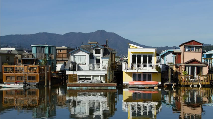 San Francisco / Sausalito Houseboat