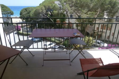Apartment with sea views of La Fosca's beach at Palamós