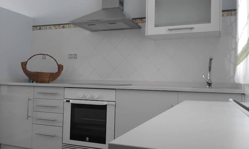 Apartamento a 15 mins de mas de 50 playas - Vimianzo - Lägenhet