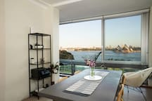 Enjoy your breakfast and dinner with million dollar views to Sydney Harbour.  Sit back with a glass of wine and enjoy from the 6 seater dining room table.