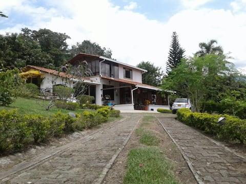 Acogedora casa condominio campestre Viterbo
