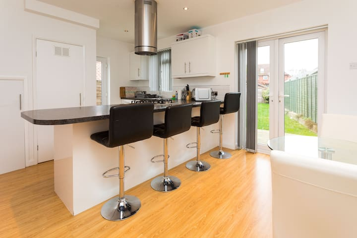 Spacious house ideal for contractors and families