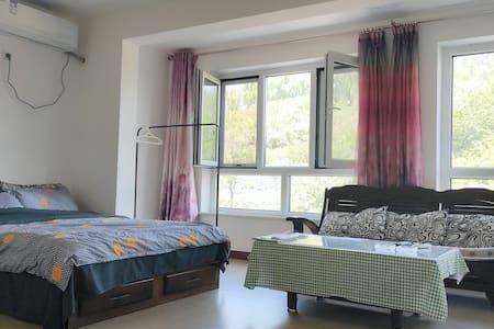 避暑山庄免费停车位依山傍水一室一厅70m²超大Libre 小屋