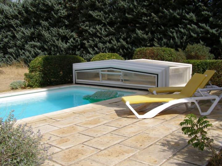 Maison provençale et familiale, avec piscine