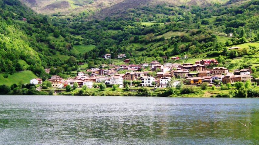 Casa rural completa con vistas al pantano de Tanes - Asturias - Rumah