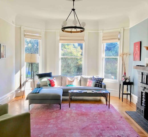 Gorgeous Victorian house in HEART of the Castro