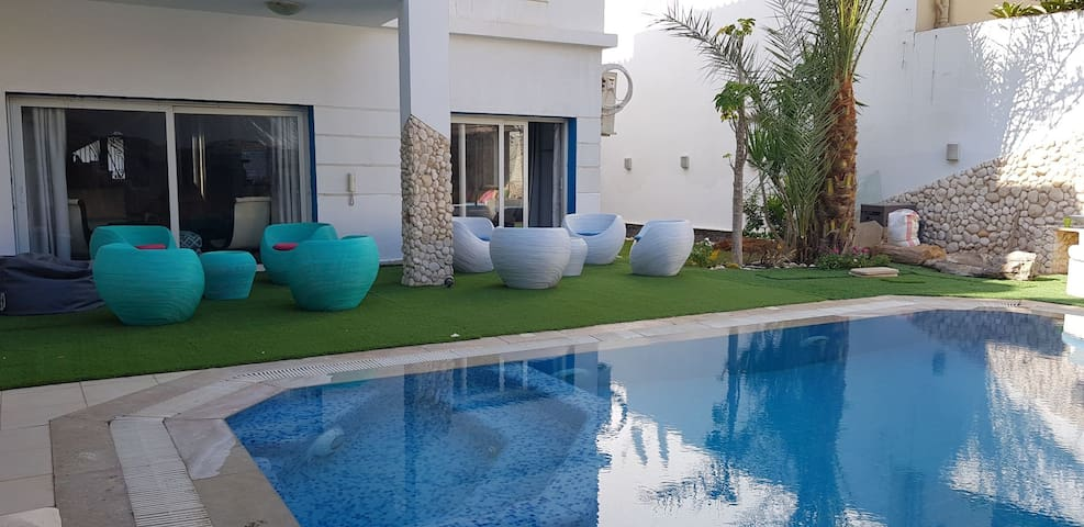 wonderful , sunny villa , swimming pool from owner