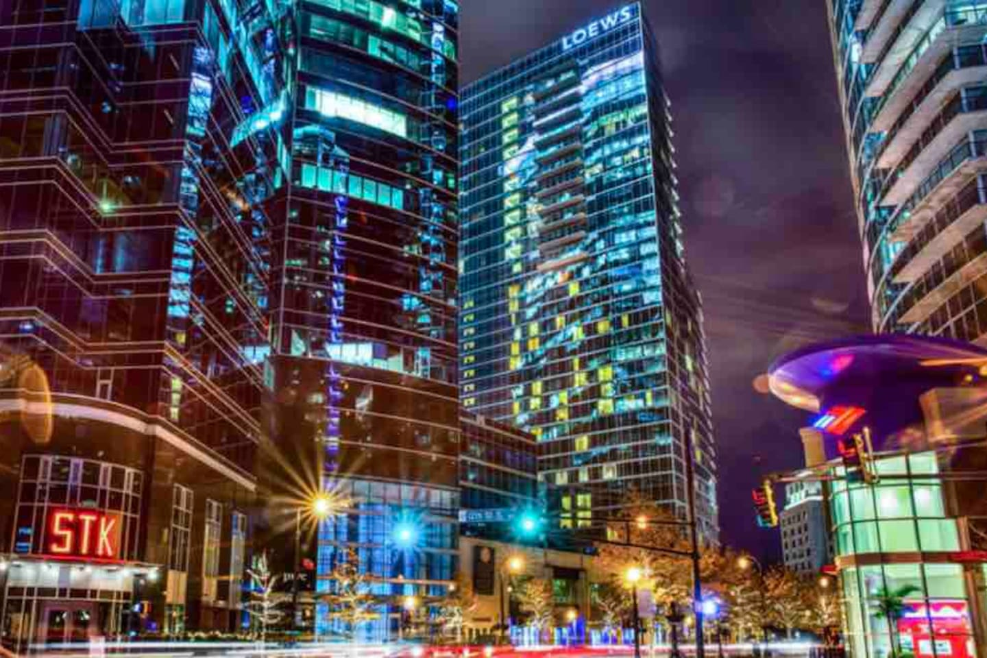 Beautiful Midtown Atlanta! You Will Be In The Middle Of All The Action In Atlanta! Great Restaurants, Great Site Seeing, Great Vibes Around The City! Midtown Atlanta Will Leave You With An Unforgettable Experience!