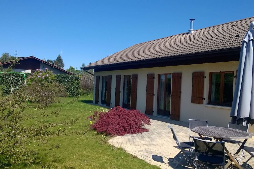 Maison 4 chambres 2 pas du lac houses for rent in for Aquatic sport center jardin balbuena