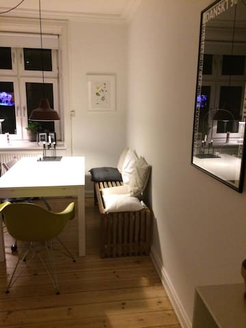 Charming 1-bedroom on Vesterbro - Kopenhagen