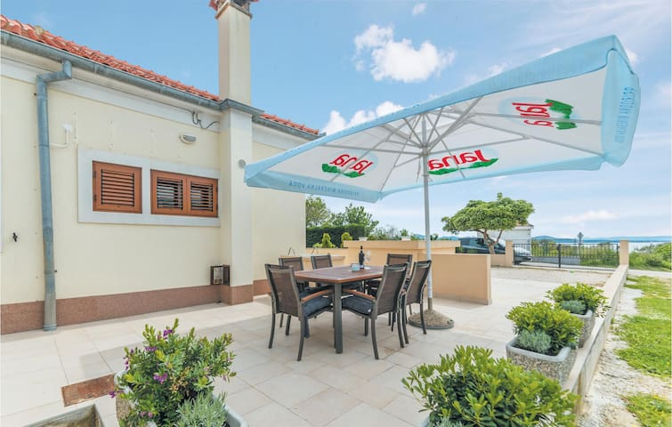 Semi-Detached with 1 bedroom on 48m² in Kozino