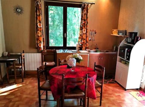 Studio duplex 2 au bord du lac des Montagnès