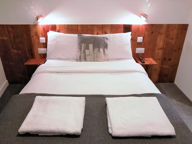 Warwick - L/Spa Guest House Double Room Ensuite R3