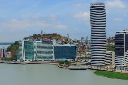 Suite de Lujo amoblada en el mejor sector de Gye. - Guayaquil