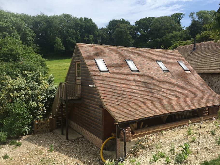 Self contained within the heart of the beautiful countryside of elham valley