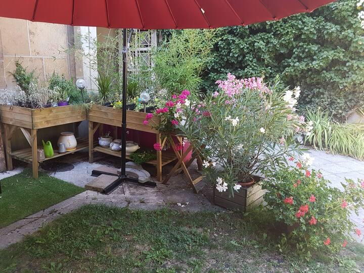 90 m2 + parking + jardin centre historique Dijon