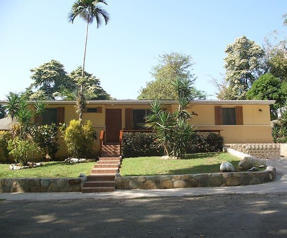 Casa Pacifica, entire house big groups w/car BBQ - Contadora Island - Maison