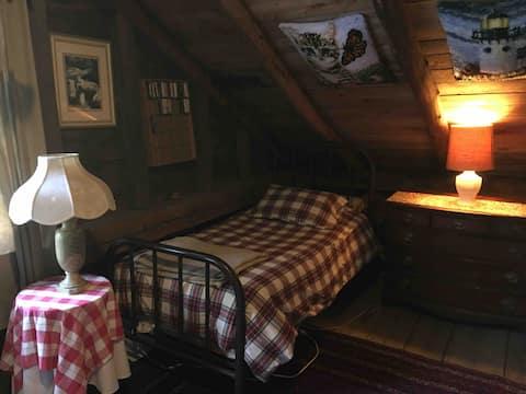 Captain Woodbury Attic loft Bed 1