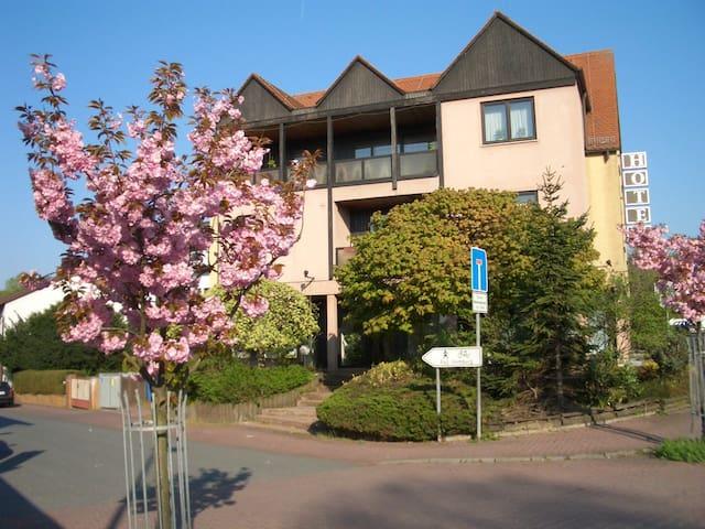 Möbl. 3 Zi. Wohnung H8 - Friedrichsdorf - Appartamento