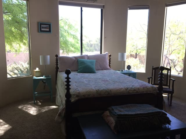 Private Room in Sonoran Desert Foothills - New River - Дом