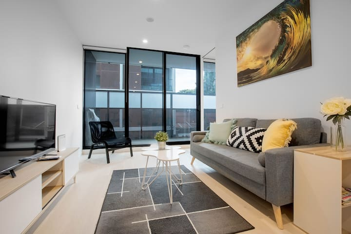 91*Cozy One Bedroom South Yarra Lively Neighbour